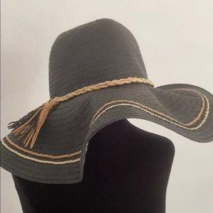 Gap Floppy Straw Hat (M/L)